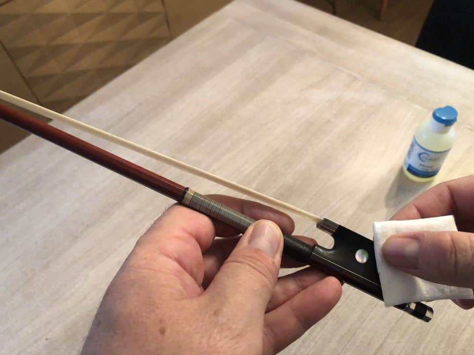how to clean your violin, viola, cello or bass bow